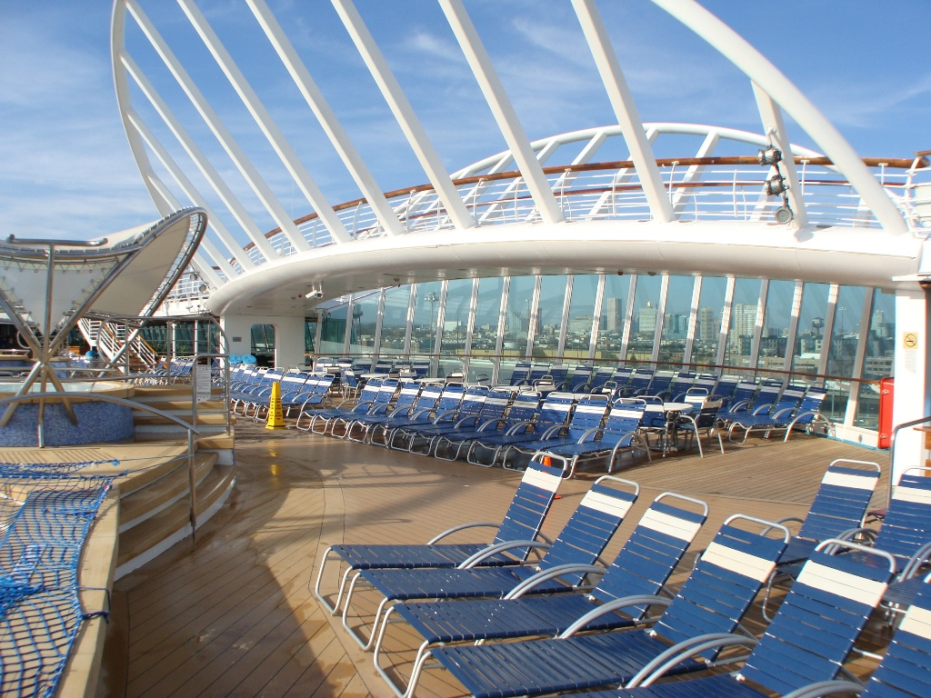 Instant Pool Decks : Photo pool deck enchantment of the seas public rooms
