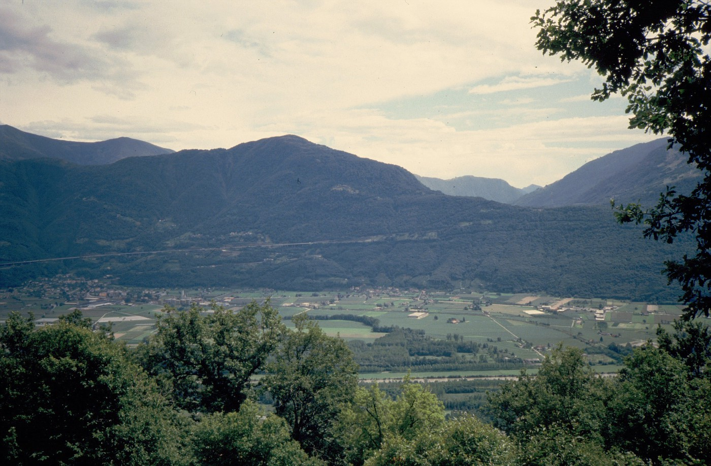 1986-08 1785 View from Corunia