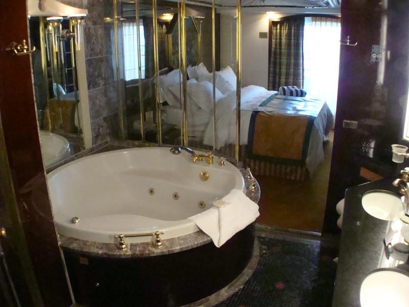 BR/ Bath Deluxe Penthouse