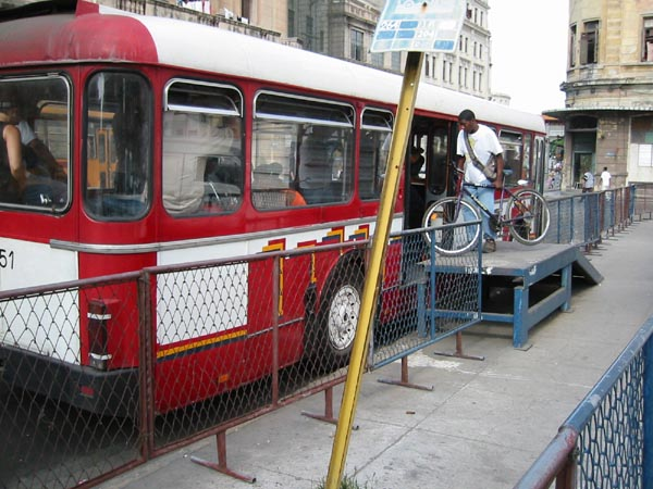 Havana- bus2