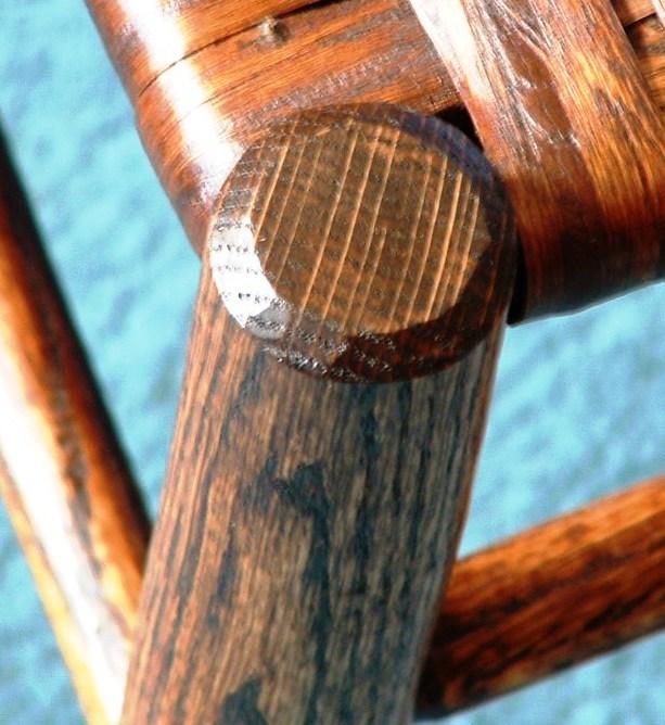 2-3 Slat Leg Closeup