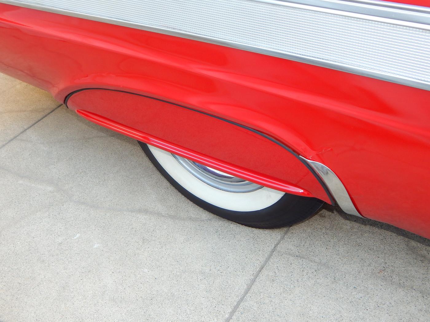 "Movie Car ""sport tone"" trim  001-vi"