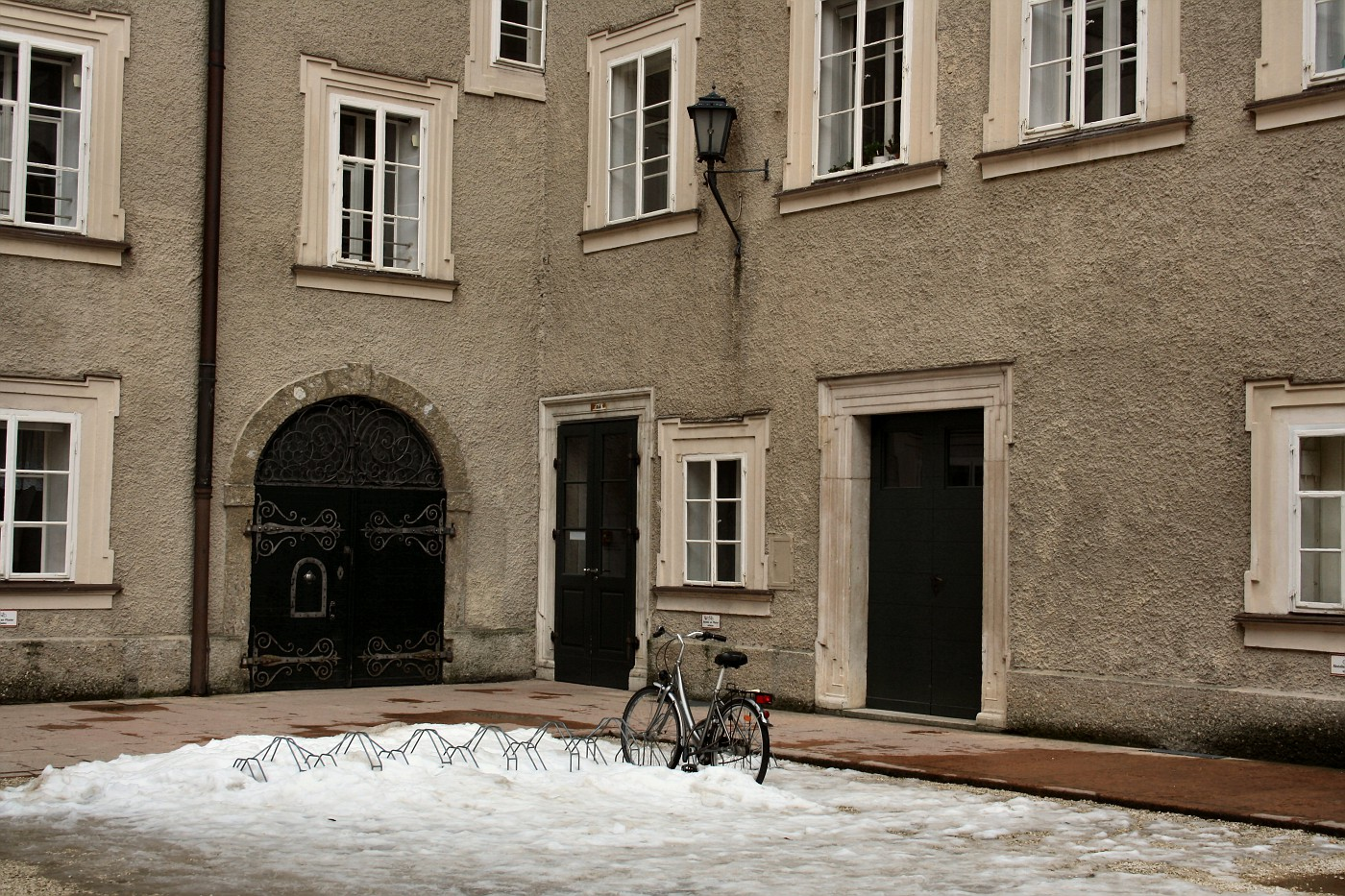 http://images51.fotki.com/v174/photos/2/243162/8488810/Salzburg33-vi.jpg