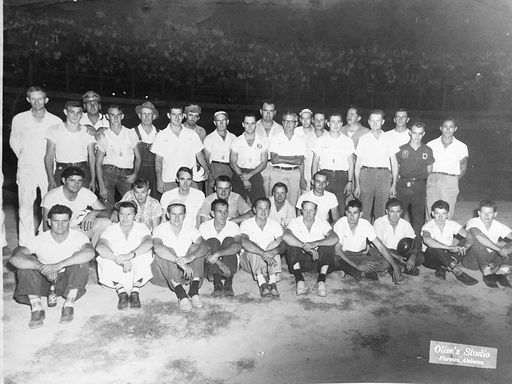 Photo Florence racing group from mid '50's