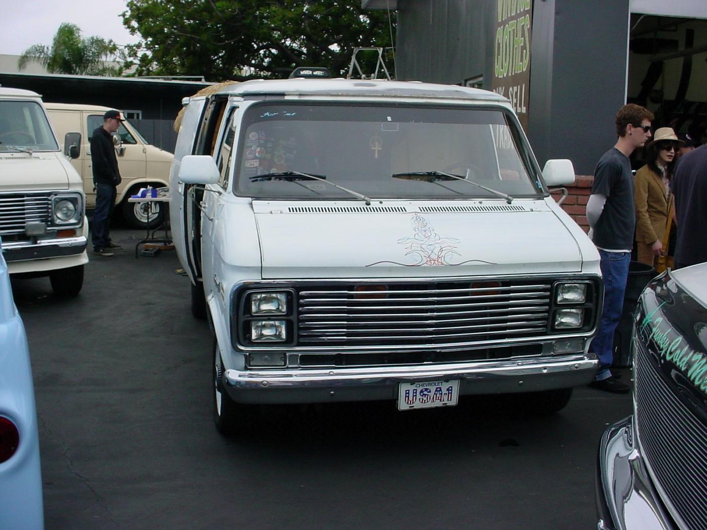 Van Creeps Van-In