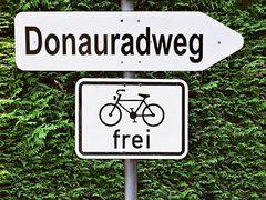 Donauradweg für Radfahrer frei