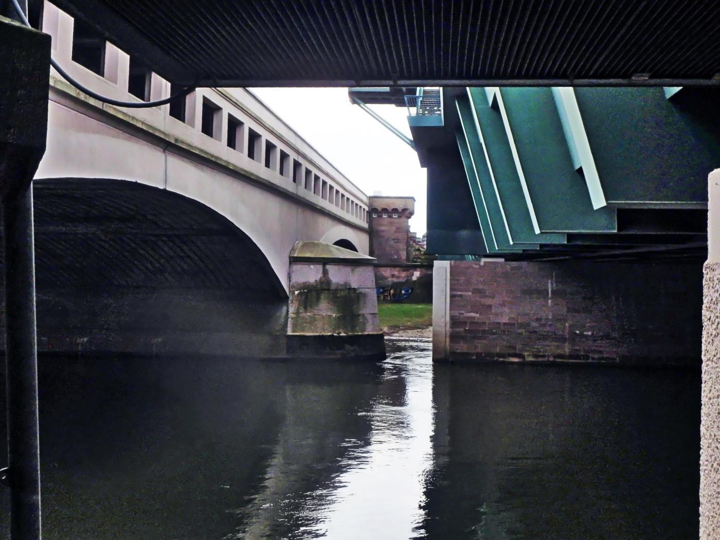 Weser zwischen den Kanalbrücken