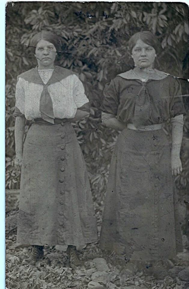 Lydia Lawson Newport-1894-1952=Cordella Lawson Burchfield-1898-1925