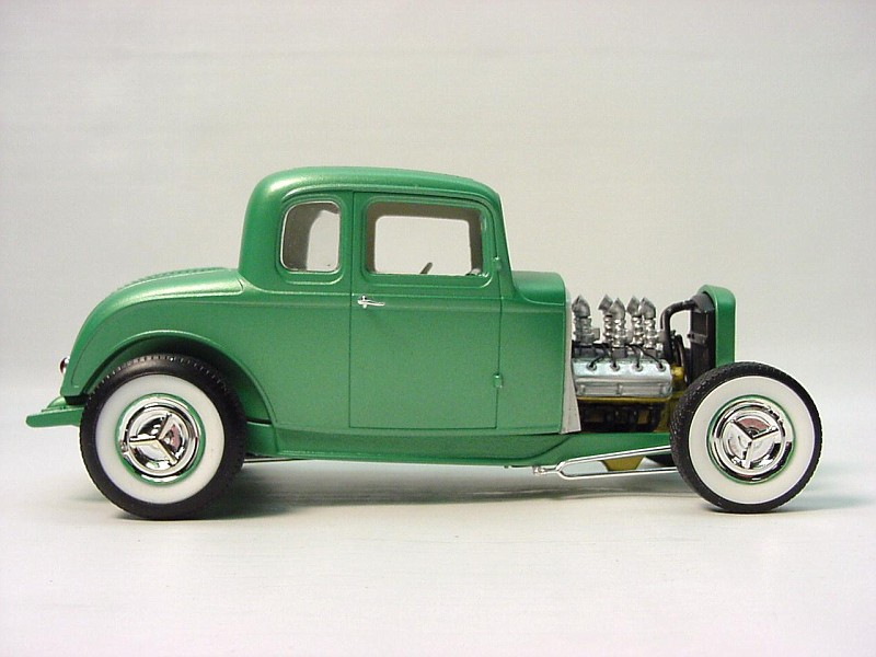 32 ford 5 window coupe under glass model cars magazine for 32 ford 5 window coupe