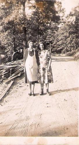 194-Great-Grandma Rebecca Yancey and Laura Yancey