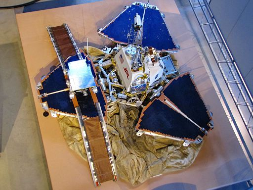 Mars Pathfinder and Sojourner Rover Model